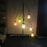 Luz solar del ahorro de energía en el tarro de masón para la decoración de la yarda