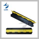 1 protetor de borracha amarelo portátil do cabo da canaleta