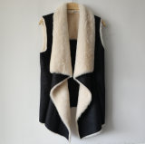 Maglia nera della pelle scamosciata della stampa della stagnola con il rivestimento della pelliccia del Faux