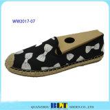 Nettes Marken-Segeltuch-beiläufige Schuhe mit nettem Patten