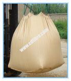 Мешки большого части мешка тонны веревочки поднимаясь с бежевым цветом для песка или цемента