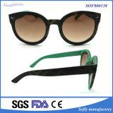 Do frame magro redondo desproporcionado do olho de gato das mulheres vidros de Sun retros da moda da forma