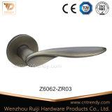 Punho de alavanca da mobília da liga do zinco da alta qualidade do punho de porta (Z6097-ZR11)