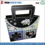 Schwarze PapierEinkaufstasche für Damen