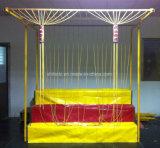 Cabine afortunada dos jogos do carnaval do parque de diversões da corda