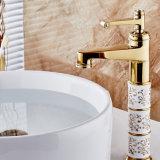 Plate-forme élevée de Flg intensifiant le taraud en laiton de peinture d'or de bassin de salle de bains