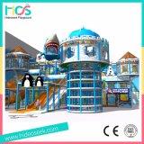凍結する雪の主題のいたずらな城はからかう屋内運動場装置(HS16401)を