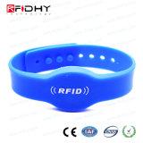 Hitag腕時計の形の1つの青いRFIDのケイ素のブレスレットのリスト・ストラップ