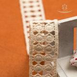 新しい綿のレースを刺繍しなさい