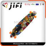 軽量の手段の自己のバランスのスケートボードの電気Longboardのスクーター