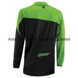 Мотоцикл тенниски вездеходного Riding зеленого цвета участвуя в гонке Джерси (MAT59)