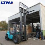 Petit chariot élévateur diesel 3 tonnes tout le chariot élévateur de terrain à vendre