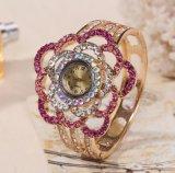 Relojes cristalinos baratos del brazalete del cuarzo de la aleación del gel de la jalea