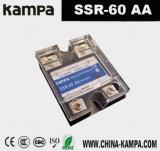 60AA Entrée SSR 12 ~ 230V AC Charge 110-240V AC Monophasé à courant continu à courant continu
