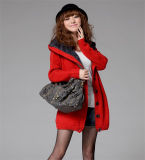Couche à capuchon de chandail de longue de chemise de fille de jupe de l'hiver de mode fourrure de Knit