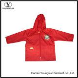 子供PVC子供のためのプラスチックレインコートの赤いレインコート
