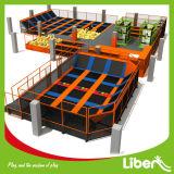 Foam Pit及びBasketball Hoopの大きいTrampoline Park