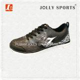 Самые новые ботинки спортов людей отдыха студента способа конструкции