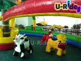 гуляя животная езда для малышей с одним parents