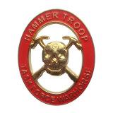 金はハンマーの軍隊亜鉛合金の硬貨を与えた