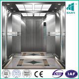 Goede Lift in Stal en Capaciteit 13 Pers