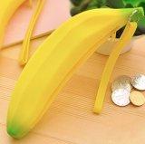 Monedero impermeable portable de la moneda de la cremallera del silicón de la dimensión de una variable del plátano