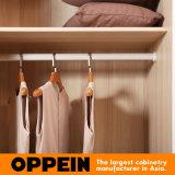 Oppein Melamin-Schiebetür aufgebaut in der hölzernen Schlafzimmer-Garderobe (YG91553)