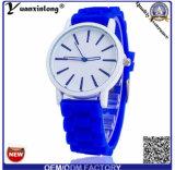 La montre bon marché en gros de quartz de cadeau de Genève des silicones Yxl-817 reçoivent Paypal