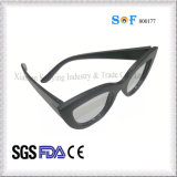 Подгонянные фирменным наименованием поляризовыванные OEM солнечные очки способа