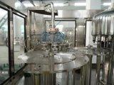 Máquina de rellenar del agua potable de la botella
