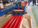 Telhado ondulado da chapa de aço que dá forma à máquina