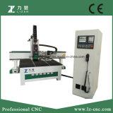 Centro fazendo à máquina do CNC do router de madeira