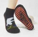 Kundenspezifische Innentrampoline-Socken-Gleitschutzsocken-Sprung-Socken