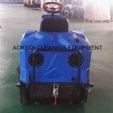 Matériel industriel de nettoyage pour la petite conduite de machine de balayeuse de route étroite sur la balayeuse