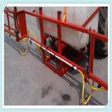 Un collegamento dei 3 punti montato sullo spruzzatore agricolo dell'asta del trattore