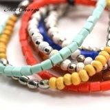 Braceletes de madeira quadrados plásticos coloridos dos grânulos do metal ajustados