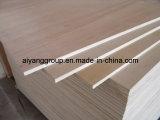 家具のための18mm Bintangorか赤いMeranti/Okoume/Pencilのヒマラヤスギのベニヤの合板