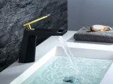 Plattform hing Form-Entwurfs-Messingbassin-Hahn für Badezimmer ein