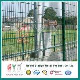 PVCによって塗られる二重金網の塀の高品質によって溶接される金網の塀