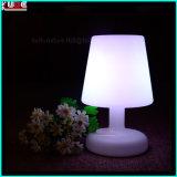 Dimmable lámpara de mesa LED junto a las lámparas con control remoto