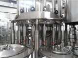O Cgf automático modela 3 em 1 máquina de enchimento da bebida do suco da água