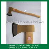 Ascia del acciaio al carbonio del hardware dell'ascia con la maniglia di legno