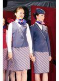 Подгоняйте формы авиакомпании женщин в форме летчика авиалинии