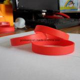 Bracelet fait sur commande bon marché de silicones de vente en gros de constructeur de bracelet de mode