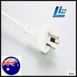 家庭電化製品に使用する3Pinオーストラリアの電源コードのプラグの白いカラー10A