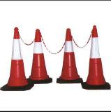 사려깊은 테이프를 가진 가득 차있는 형광성 빨간 도로 안전 콘