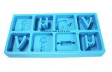 個人化された食品等級8キャビティアルファベットの文字の形のシリコーンの氷メーカー、シリコーンの角氷の皿
