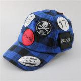 方法6編まれたパッチが付いているパネルによって点検される綿の野球帽