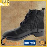 Черные хорошие ботинки офиса полиций типа неподдельной кожи износа новые