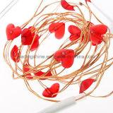 قلب حلوة حمراء يشكّل [لد] خيط [فيري لمب] لأنّ [فلنتين دي] بطّاريّة يشغل [غف] هبات